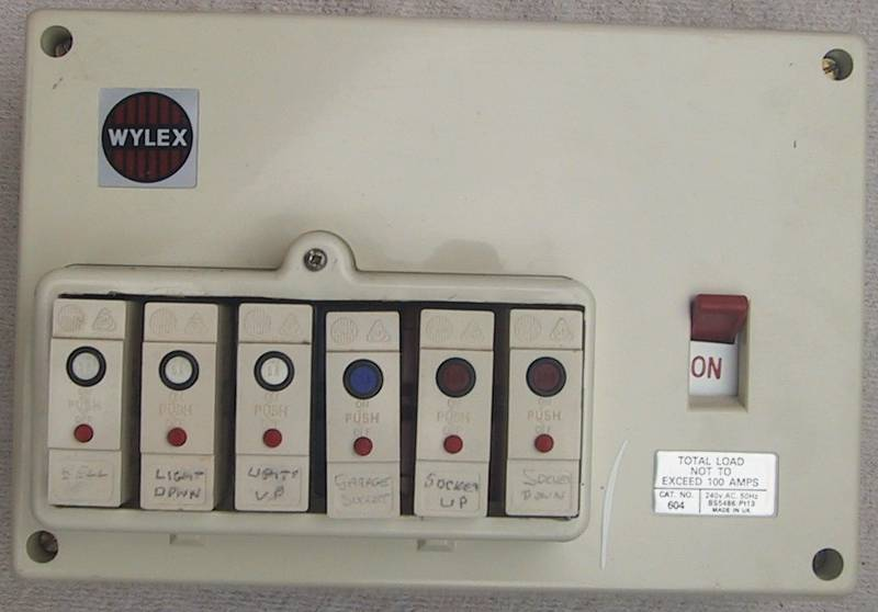 [DIAGRAM_3ER]  NZ_4984] Old Fashioned Fuse Box Wiring Diagram | Changing A Fuse In A Wylex Fuse Box |  | Phot Hylec Birdem Mohammedshrine Librar Wiring 101