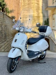 Incredible 16 Awesome Vespa Gts 300 Super Images Vespa Scooters For Sale Wiring Cloud Biosomenaidewilluminateatxorg