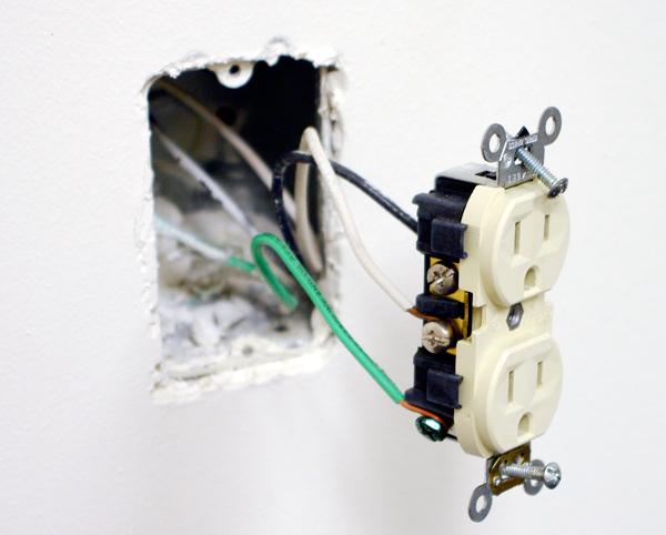 Surprising Newertech Power2U Ac Usb Wall Outlet Review Storagereview Com Wiring Cloud Xempagosophoxytasticioscodnessplanboapumohammedshrineorg