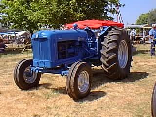 Enjoyable Antique Ford Tractor Fordson Major Diesel Tractorshed Com Wiring Cloud Licukshollocom