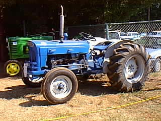 Astounding Antique Ford Tractor Ford Super Dexta Tractorshed Com Wiring Cloud Loplapiotaidewilluminateatxorg