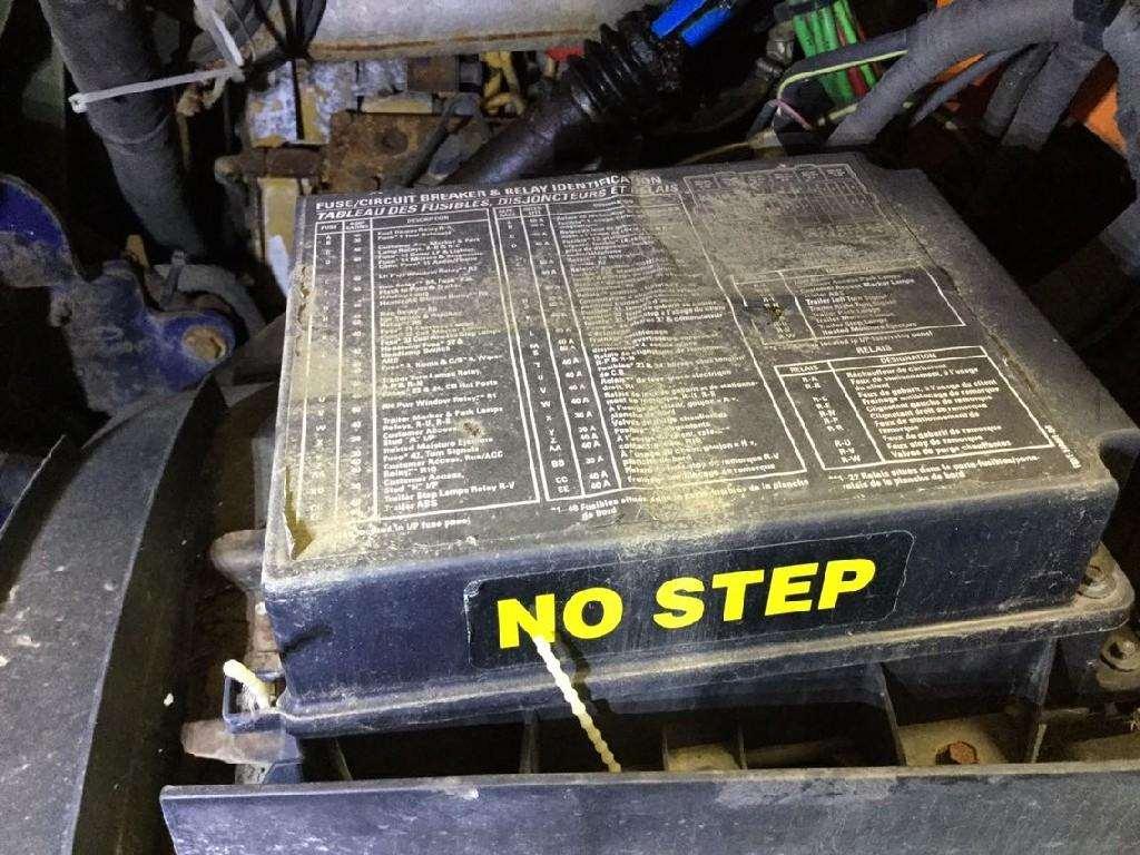 [DIAGRAM_38EU]  LN_6366] 2000 Sterling Semi Truck Fuse Box Download Diagram | 2007 Sterling Trucks Wiring Diagrams |  | Alma Proe Rele Mohammedshrine Librar Wiring 101