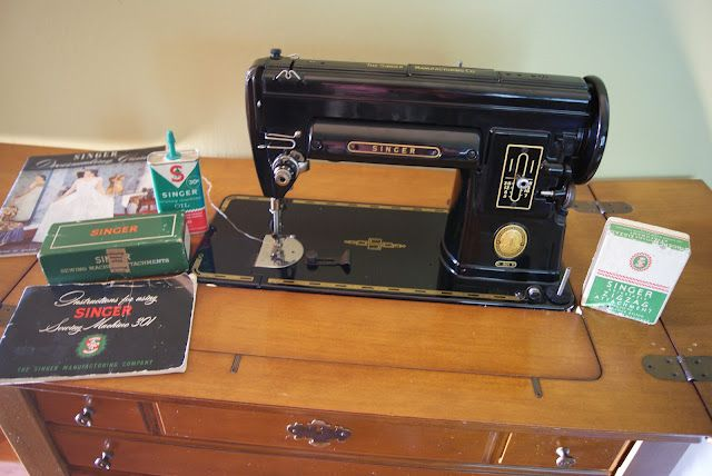 Stupendous Singer 301 Made 1952 With Original Sewing Cabinet The Sewing Wiring Cloud Xortanetembamohammedshrineorg