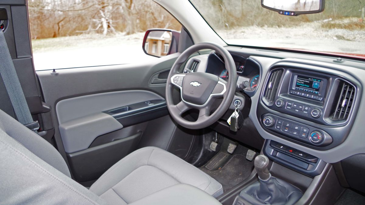 Stupendous Why You Dont Want The Manual Transmission 2015 Chevy Colorado Wiring Cloud Loplapiotaidewilluminateatxorg