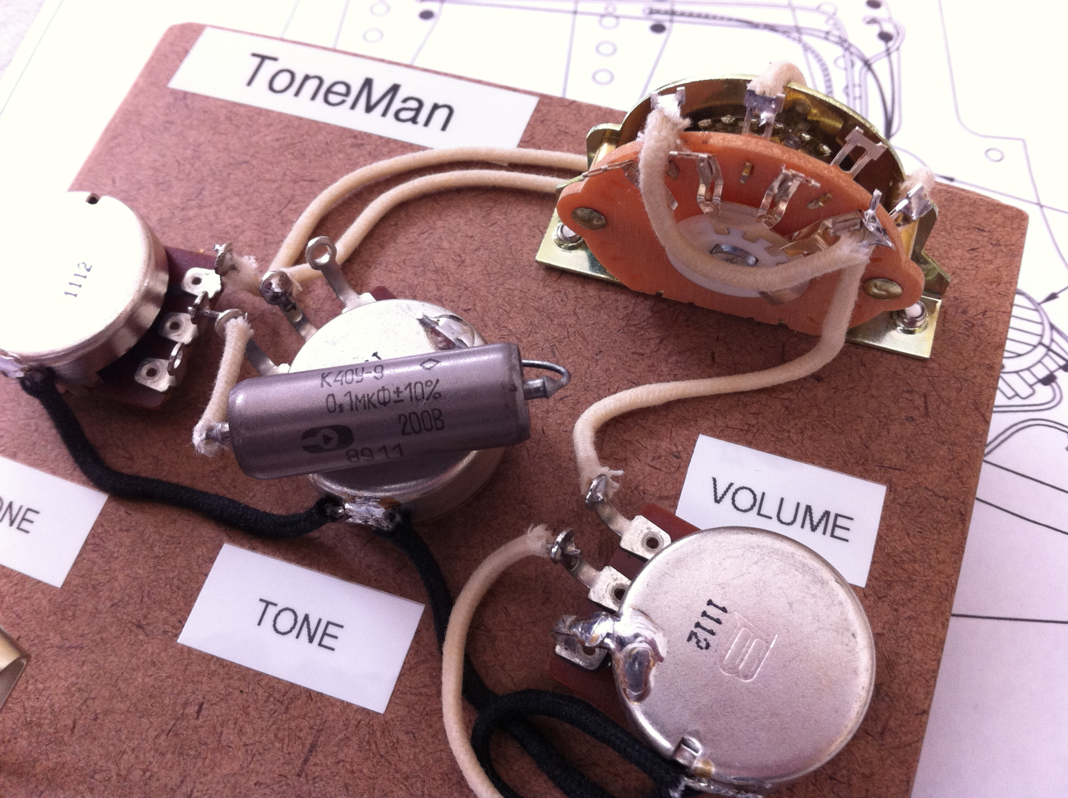 Strat Wiring Diagram Tone On Bridge from static-resources.imageservice.cloud