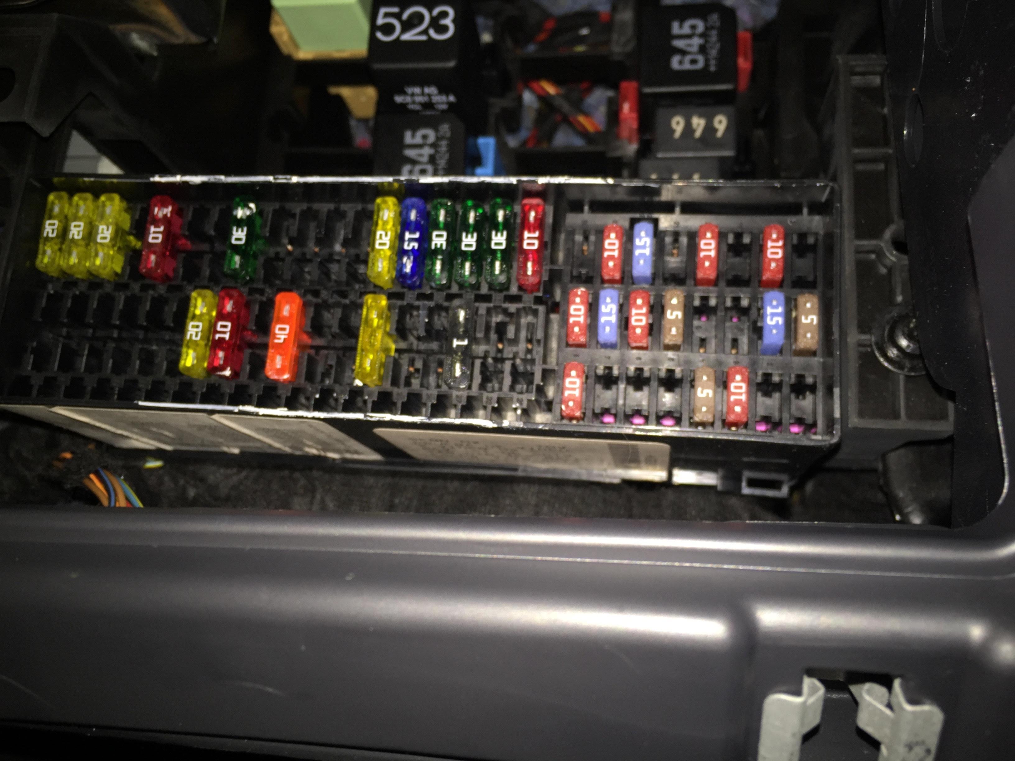 ZO_3022] 2014 Jetta Fuse Box Diagram Cig Lighter Fuse Wiring DiagramMinaga Winn Papxe Mohammedshrine Librar Wiring 101