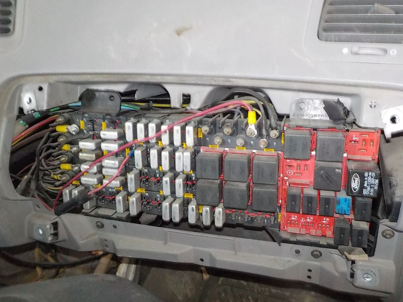Ford L9000 Wiring Diagram from static-resources.imageservice.cloud