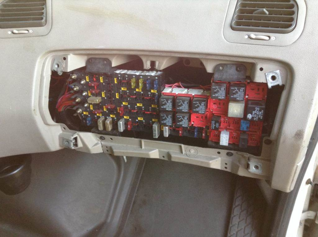 sterling tractor fuse box xw 2834  wiring diagram further 2001 sterling truck wiring diagram  wiring diagram further 2001 sterling
